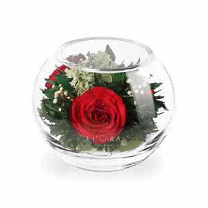 Красные розы в малой круглой вазе