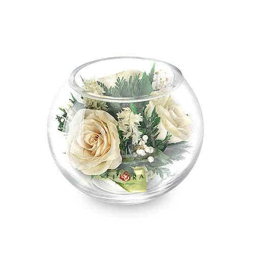 Айвори розы в малой круглой вазе