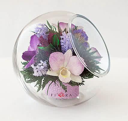 Цветы в стекле (вакууме) - Фиолетово-белые и сиренево-белые орхидеи в средней круглой со скошенным верхом - 44618