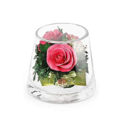 Розовые розы в низком конусообразном цилиндре