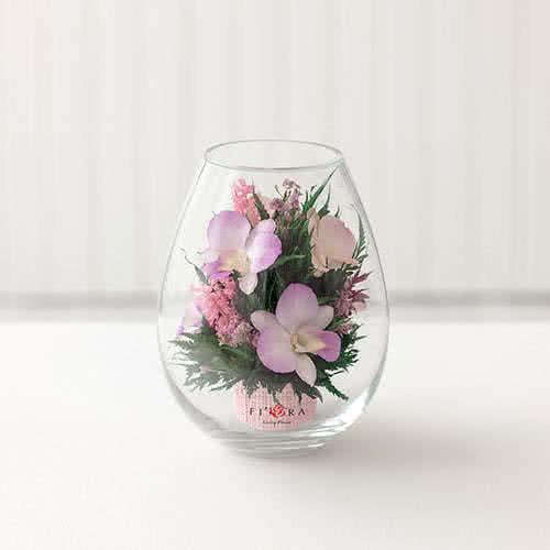 Орхидеи в малой каплевидной вазе