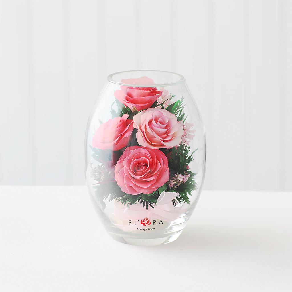 Розовые розы в малой овальной вазе xs