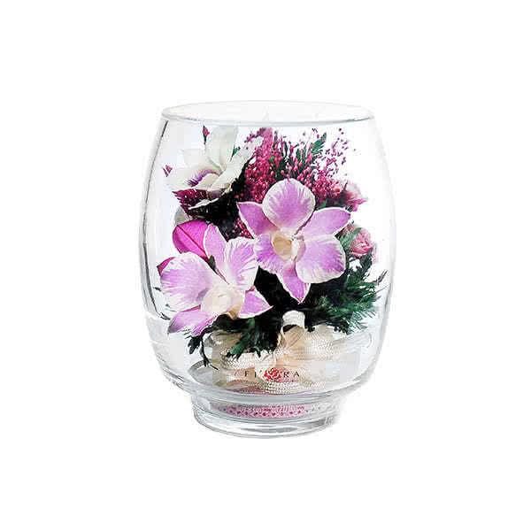 Бело-розовые и белые орхидеи с диантусами