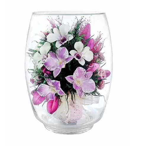 Орхидеи с диантусами в большом бутоне тюльпана